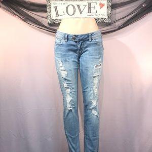 Silver denim jeans Size 32/31 💞